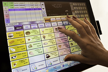 hand-in-a-touch-POS-System-Software-Leo2